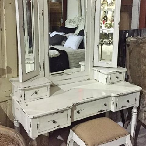 This vanity is stunning and includes stool 525 Northern Avehellip
